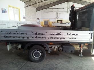Fahrzeugbeklebung Graf Grabsteine